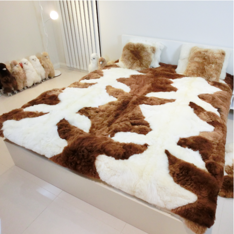 Classic Alpaca Rug 180x210cm (Medium Brown/White